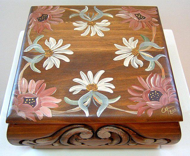 flores pintadas en madera