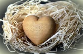 imagen talla en madera:  corazon